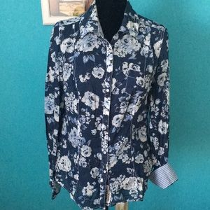 Guess cute floral blouse size XL